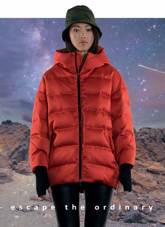 """EGG SHAPED QUILTED JACKET WITH GOOSE DOWN IN """"TECHNO DUCHESSE"""""""